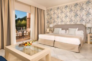 La CALA Superior Room